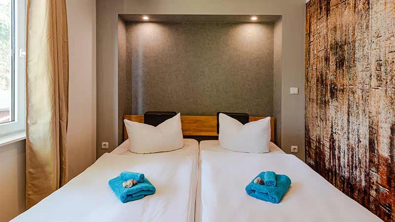 Ferienwohnung Wockninsee Schlafzimmer Hinter der Düne Ückeritz Usedom Doppelbett