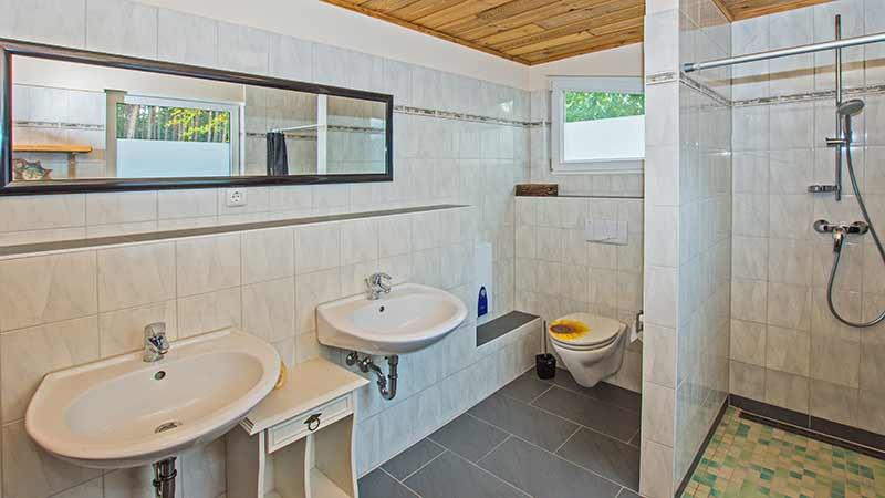 Ferienhaus Dünenblick 1 Badezimmer Hinter der Düne Ückeritz Usedom Dusche
